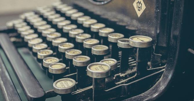 typewriter detail pic